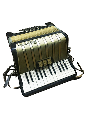 Honer Accordion Props, Prop Hire